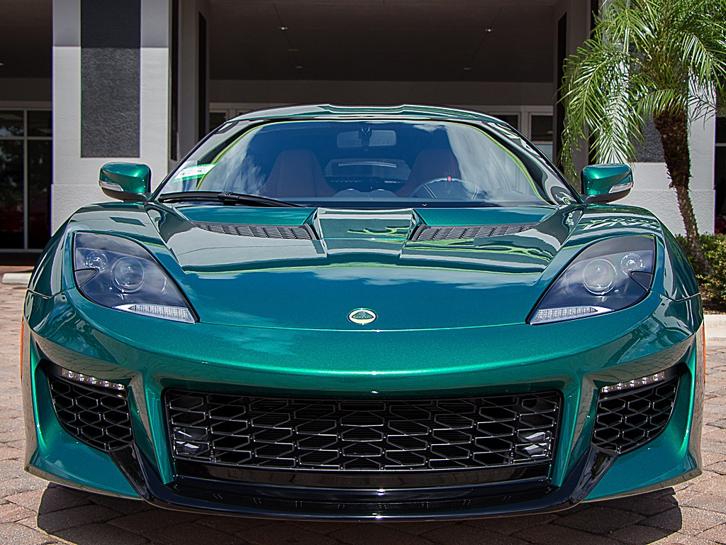 Lotus Evora 400 finished in Racing Green