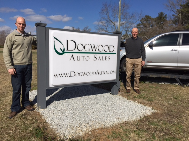 Dogwood Auto Sales Front Sign and Team