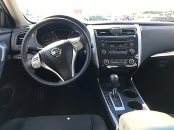 2015 Nissan Altima 2.5 S - Photo 11 - Honolulu, HI 96818