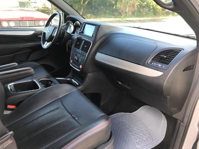 2016 Dodge Grand Caravan R/T - Photo 6 - Honolulu, HI 96818