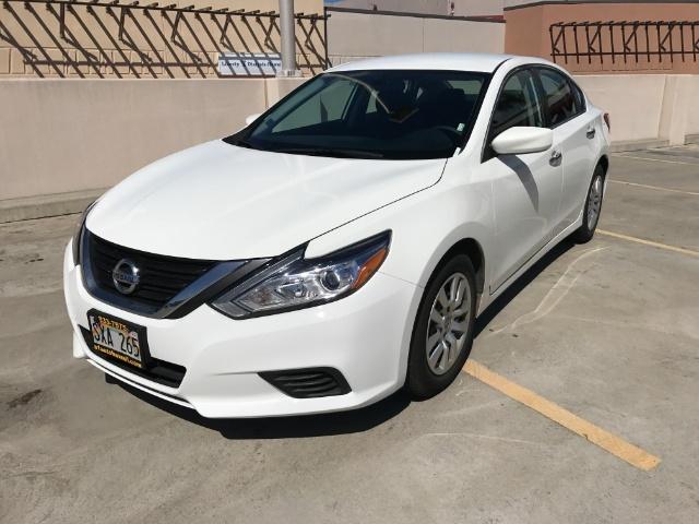 The 2016 Nissan Altima 2.5 S photos