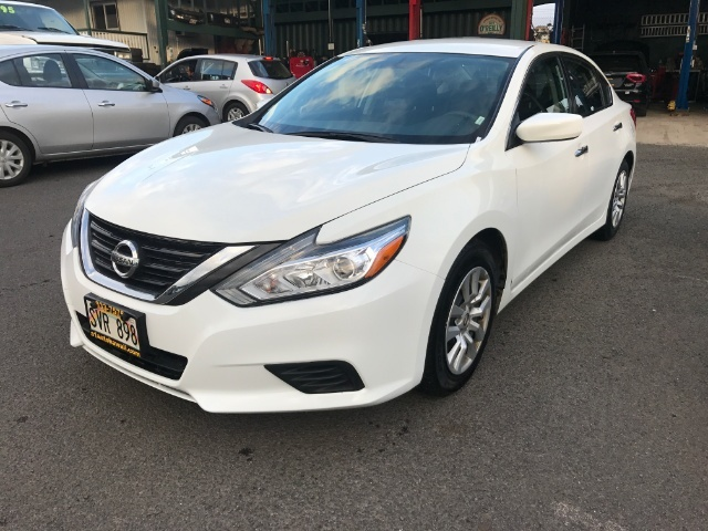 The 2016 Nissan Altima 2.5 S photos