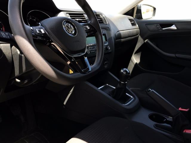 2015 Volkswagen Jetta LowMiles 5spd Manual; A Unique Hard to Find Model! - Photo 7 - Honolulu, HI 96818