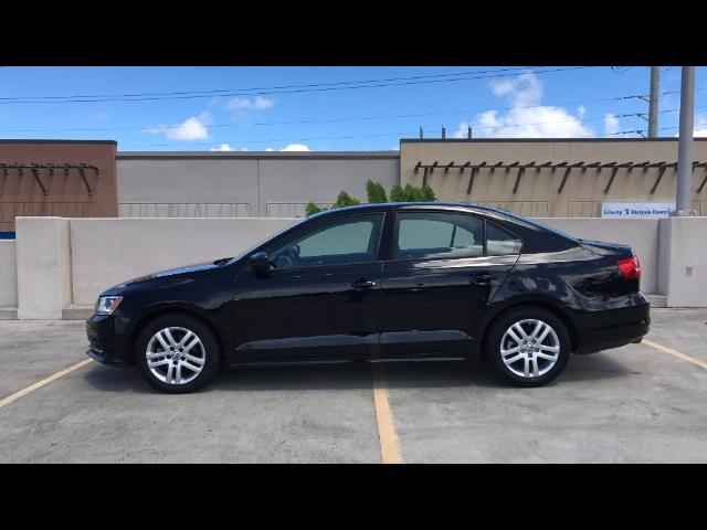 2015 Volkswagen Jetta LowMiles 5spd Manual; A Unique Hard to Find Model! - Photo 2 - Honolulu, HI 96818