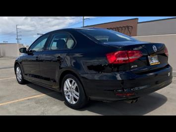 2015 Volkswagen Jetta LowMiles 5spd Manual; A Unique Hard to Find Model! - Photo 3 - Honolulu, HI 96818