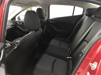 2014 Mazda Mazda3 i Sport - Photo 8 - Honolulu, HI 96818