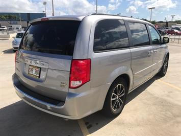 2016 Dodge Grand Caravan R/T - Photo 4 - Honolulu, HI 96818