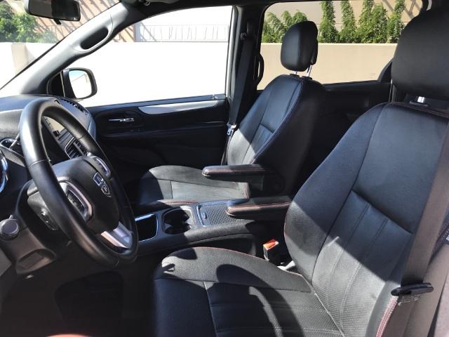 2016 Dodge Grand Caravan R/T photo