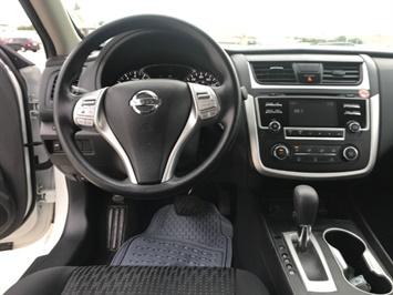 2016 Nissan Altima 2.5 - Photo 10 - Honolulu, HI 96818