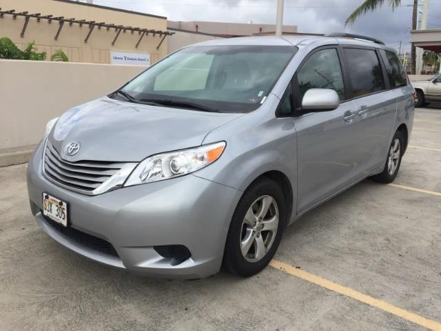 2015 Toyota Sienna LE 8-Passenger photo