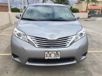 2015 Toyota Sienna LE 8-Passenger - Photo 5 - Honolulu, HI 96818