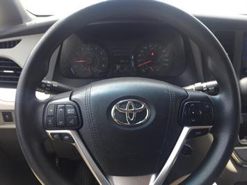 2015 Toyota Sienna LE 8-Passenger - Photo 11 - Honolulu, HI 96818
