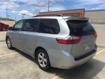 2015 Toyota Sienna LE 8-Passenger - Photo 8 - Honolulu, HI 96818