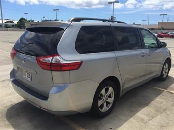 2015 Toyota Sienna LE 8-Passenger - Photo 7 - Honolulu, HI 96818