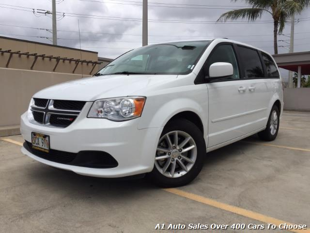 The 2014 Dodge Grand Caravan SXT photos