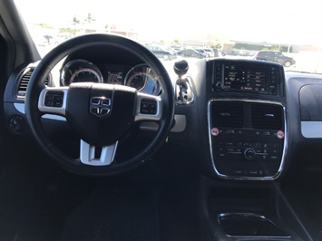 2016 Dodge Grand Caravan R/T - Photo 11 - Honolulu, HI 96818