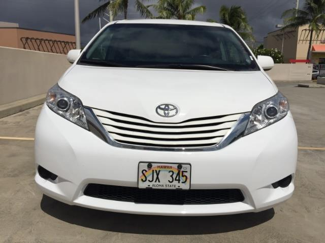 2015 Toyota Sienna LE 8-Passenger XtraEquipment LOADED! - Photo 11 - Honolulu, HI 96818