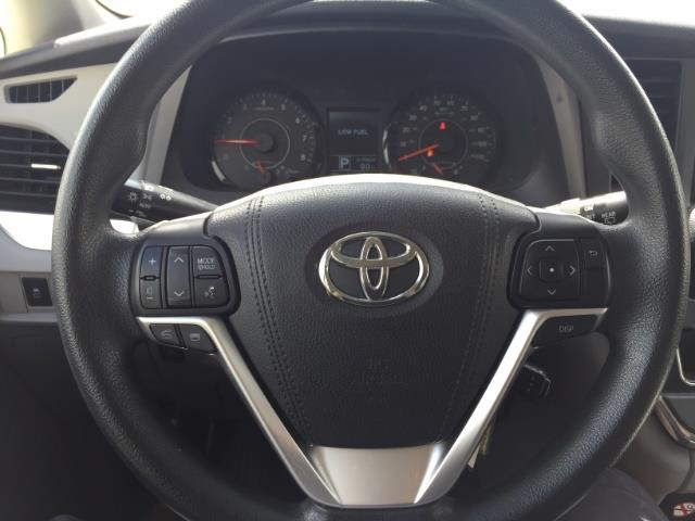 2015 Toyota Sienna LE 8-Passenger XtraEquipment LOADED! - Photo 13 - Honolulu, HI 96818