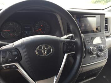 2015 Toyota Sienna LE 8-Passenger XtraEquipment LOADED! - Photo 21 - Honolulu, HI 96818