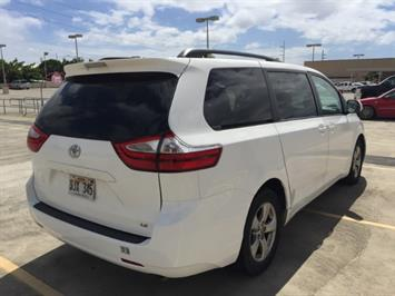 2015 Toyota Sienna LE 8-Passenger XtraEquipment LOADED! - Photo 9 - Honolulu, HI 96818