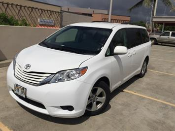2015 Toyota Sienna LE 8-Passenger XtraEquipment LOADED! - Photo 4 - Honolulu, HI 96818