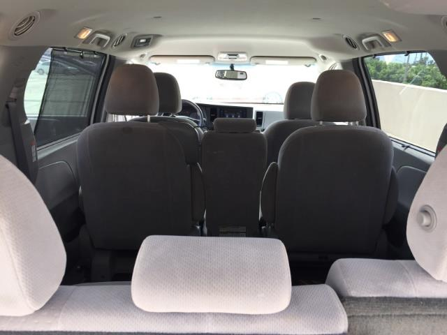 2015 Toyota Sienna LE 8-Passenger XtraEquipment LOADED! - Photo 25 - Honolulu, HI 96818