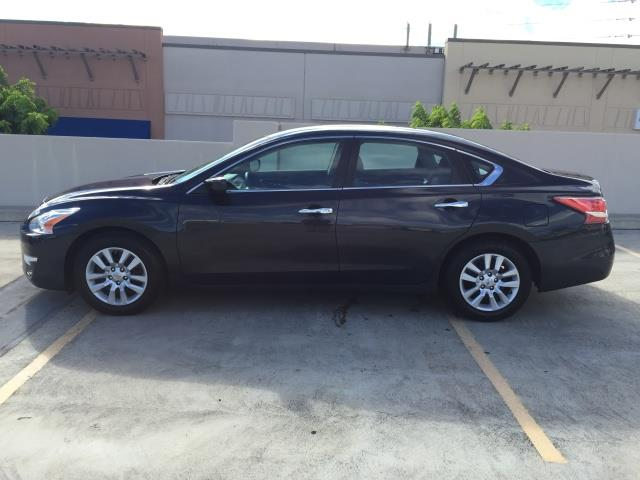 2013 Nissan Altima 2.5 S - Photo 4 - Honolulu, HI 96818