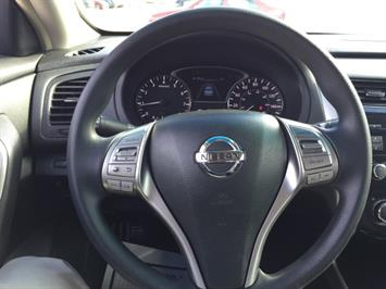 2013 Nissan Altima 2.5 S - Photo 10 - Honolulu, HI 96818