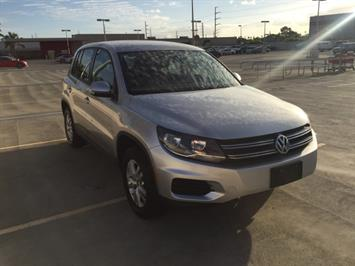 2013 Volkswagen Tiguan S - Photo 3 - Honolulu, HI 96818