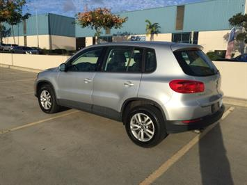 2013 Volkswagen Tiguan S - Photo 8 - Honolulu, HI 96818