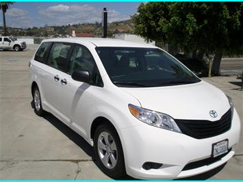 2016 Toyota Sienna L - Photo 2 - Spring Valley, CA 91977