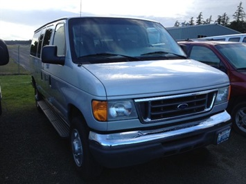 2006 Ford E-Series Van E-350 SD Chateau Van