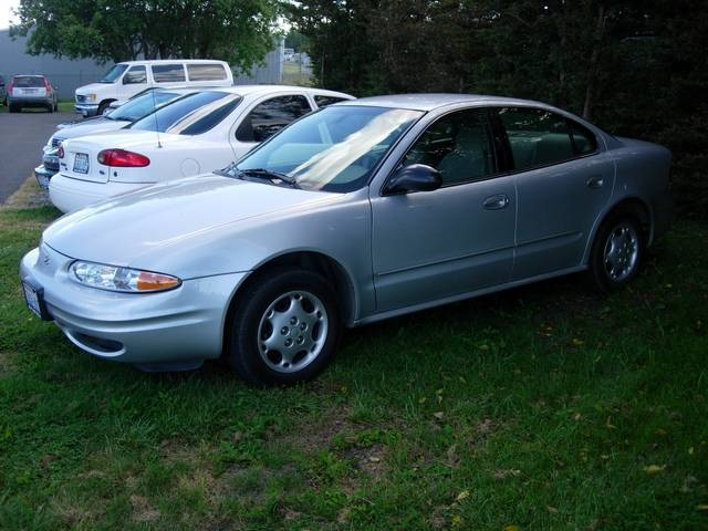 2003 Oldsmobile Alero GL1 - Photo 2 - Friday Harbor, WA 98250
