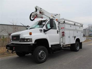 2007 CHEVROLET 5500 SERVICE BUCKET Truck