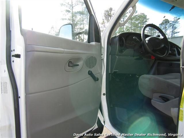 2006 Ford E-350 Roll Up Rear Door Utility Cube Box Work - Photo 6 - Richmond, VA 23237