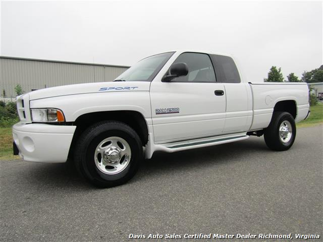 2001 Dodge Ram 2500 SLT Sport 5.9 Cummins Diesel Quad Cab Short Bed - Photo 1 - Richmond, VA 23237