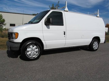 2003 Ford E-Series Cargo E-150 Base Van