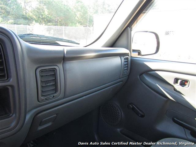 2007 Chevrolet Silverado 1500 Classic 4X4 Manual Regular Cab Short Bed - Photo 19 - Richmond, VA 23237