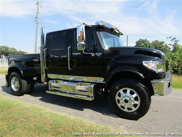 2014 International TerraStar TR005 4X4 Custom Crew Cab Hauler Bed Low Mileage Super - Photo 2 - Richmond, VA 23237