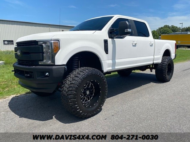 2017 Ford F-250 Superduty Crew Cab Short Bed D photo