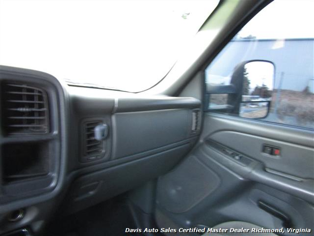 2005 GMC Sierra 2500 HD SLT Duramax Diesel LLY 4X4 Crew Cab Short Bed - Photo 17 - Richmond, VA 23237