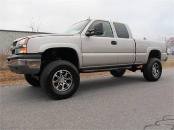 2004 Chevrolet Silverado 1500 LT Truck