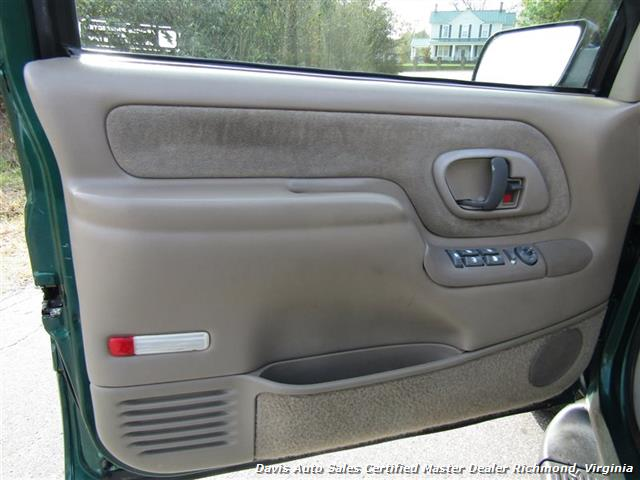 1999 Chevrolet Tahoe LT Edition 4X4 Loaded - Photo 20 - Richmond, VA 23237