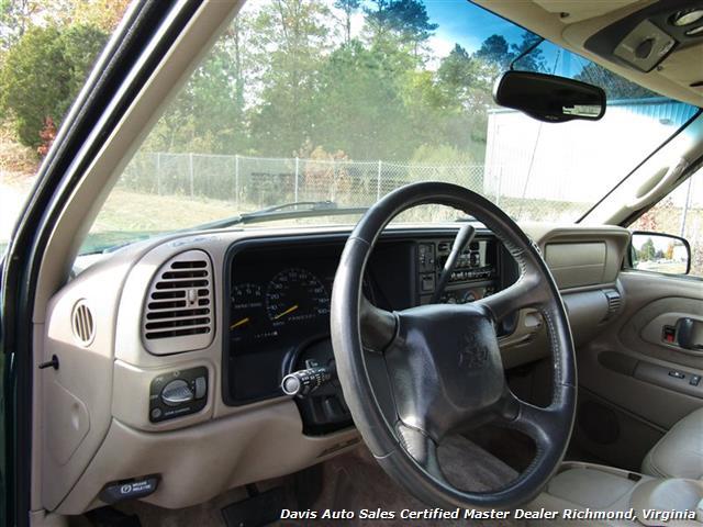 1999 Chevrolet Tahoe LT Edition 4X4 Loaded - Photo 5 - Richmond, VA 23237
