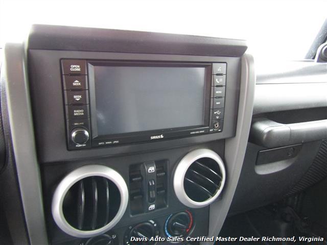 2008 Jeep Wrangler Unlimited Sahara Lifted 6 Speed Manual 4X4 Loaded - Photo 7 - Richmond, VA 23237