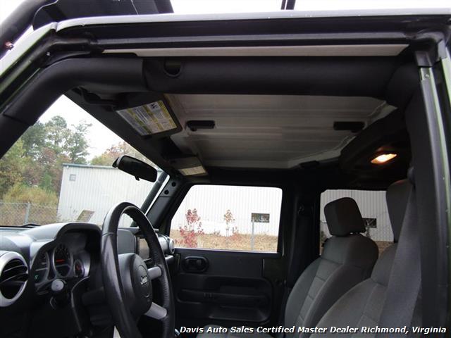 2008 Jeep Wrangler Unlimited Sahara Lifted 6 Speed Manual 4X4 Loaded - Photo 5 - Richmond, VA 23237