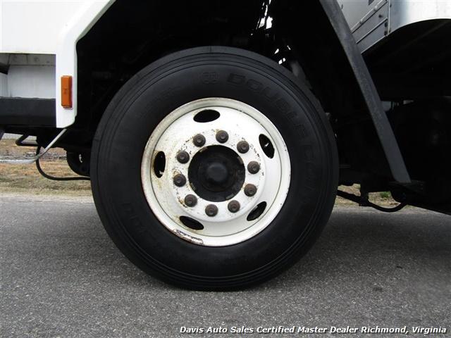 1995 Ford F700 CF7000 Cargo Series Diesel Roll Up 24 Foot Box Truck Van - Photo 10 - Richmond, VA 23237