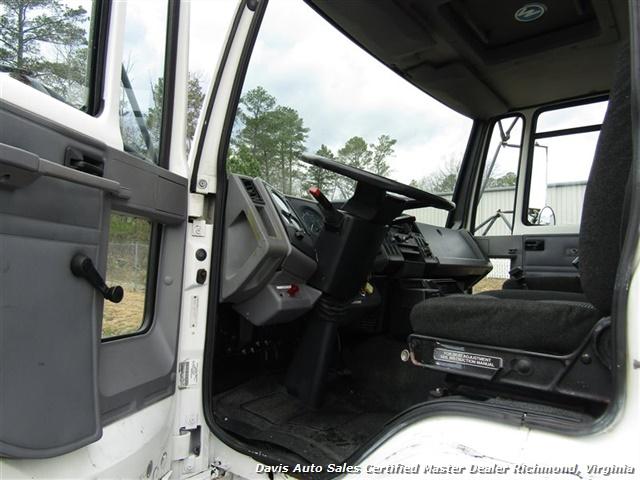 1995 Ford F700 CF7000 Cargo Series Diesel Roll Up 24 Foot Box Truck Van - Photo 6 - Richmond, VA 23237