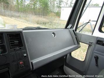 1995 Ford F700 CF7000 Cargo Series Diesel Roll Up 24 Foot Box Truck Van - Photo 28 - Richmond, VA 23237