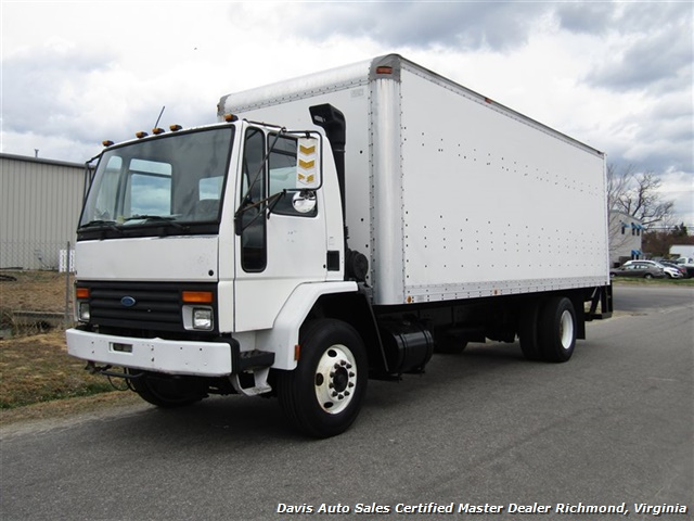 1995 Ford F700 CF7000 Cargo Series Diesel Roll Up 24 Foot Box Truck Van - Photo 1 - Richmond, VA 23237